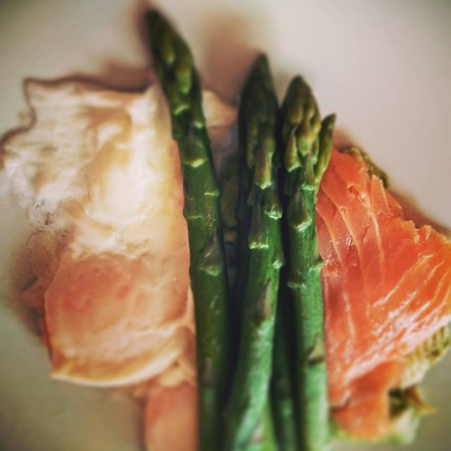 Ada Wanders. Asparagus with egg and salmon